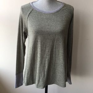 💖POOF boat neck long sleeve green Top